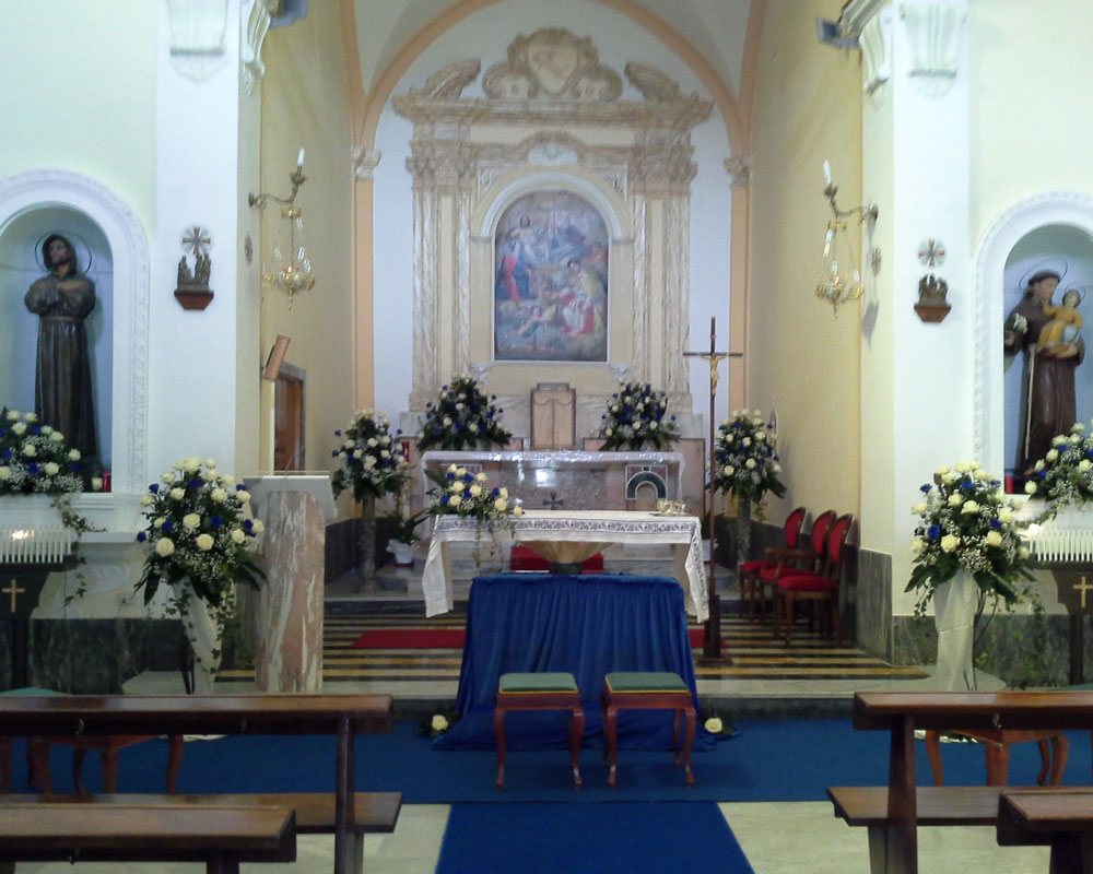 Addobbo Chiesa SS. Trinità Montagna Spaccata 2
