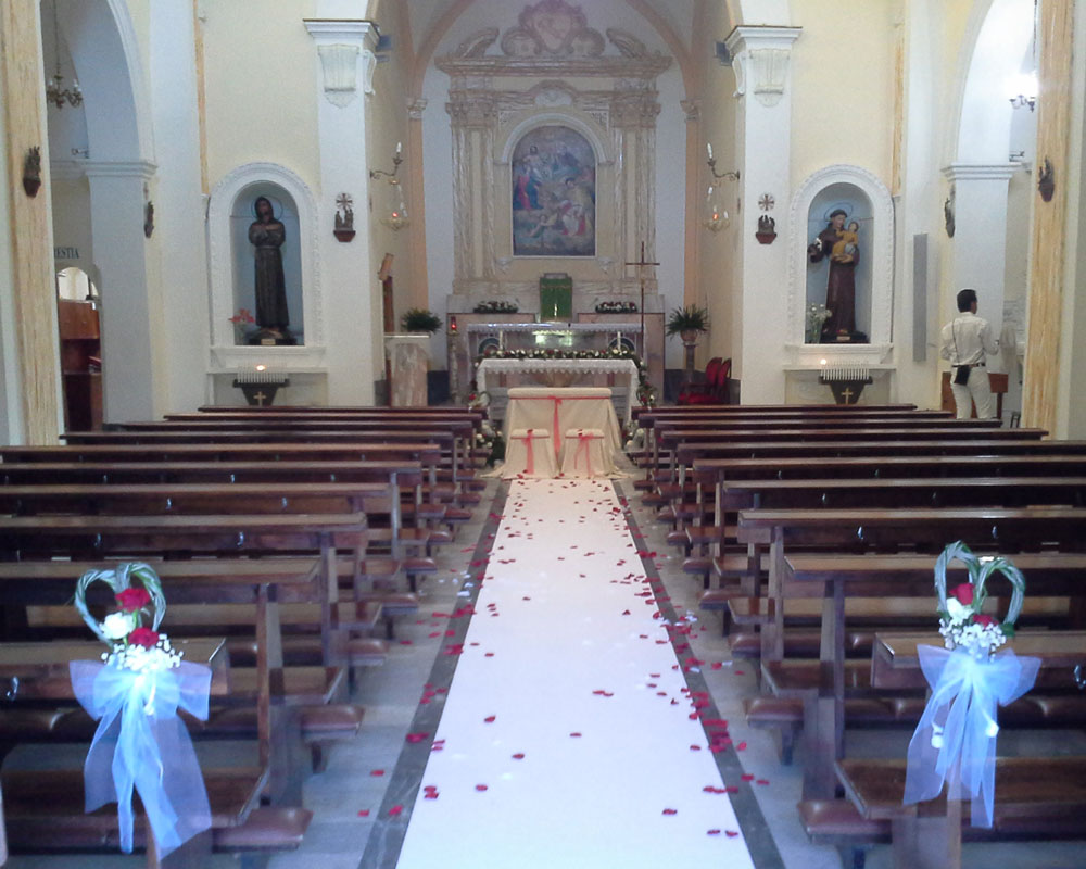 Addobbo Chiesa SS. Trinità Montagna Spaccata 3