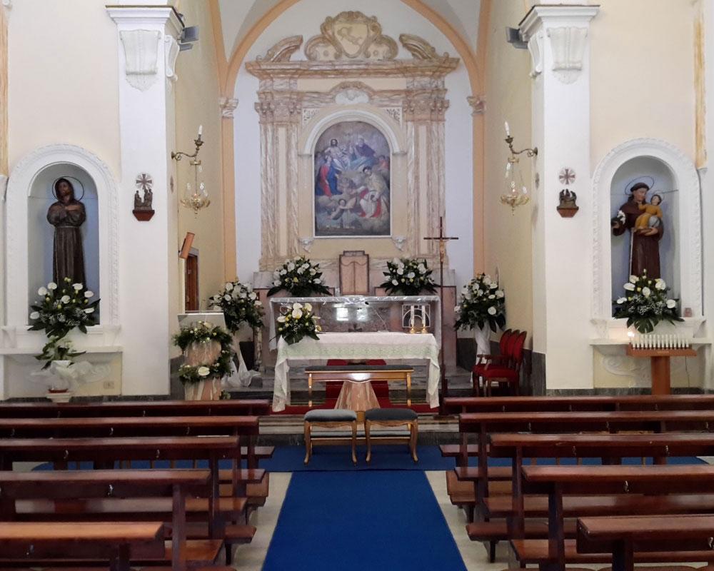 Addobbo Chiesa SS. Trinità Montagna Spaccata 5
