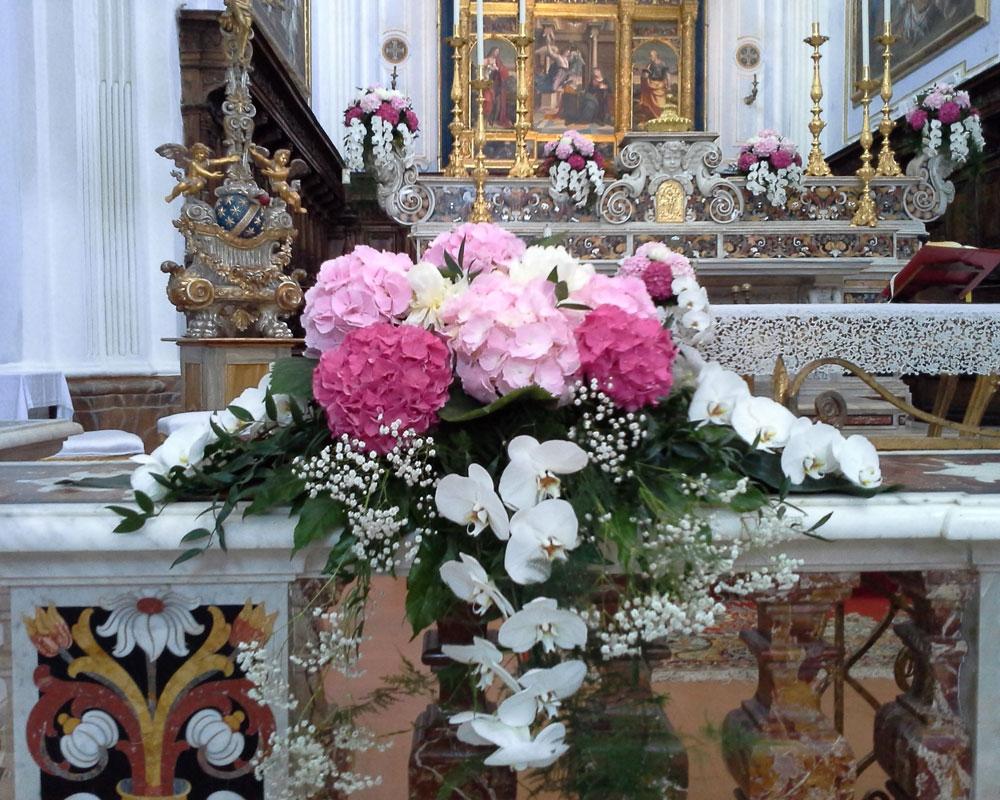 Fiori Chiesa.Composizioni Addobbi Floreali E Vendita Fiori Gaeta La Serretta